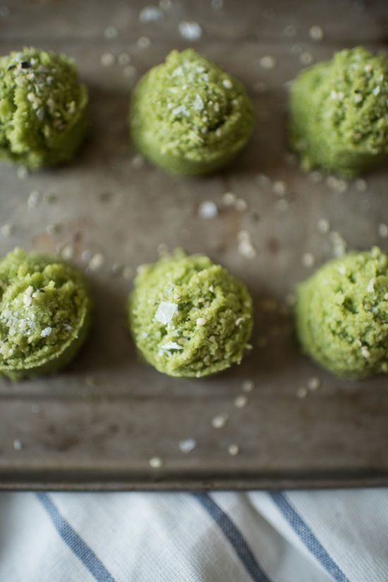 This Heathy Green Tea-Infused Macaroon Recipe Does Not Require Any Baking #smallsnacks trendhunter.com