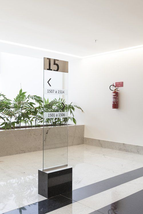 Platinum Tower /STUDIOMDA Wayfinding Design