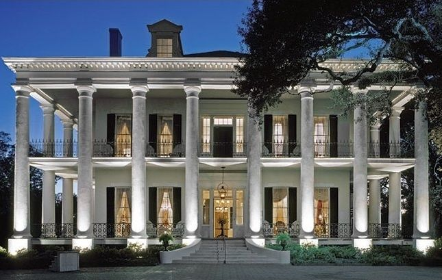 25 best ideas about antebellum homes on pinterest plantation homes southern plantation style for Hot tin roof custom home design