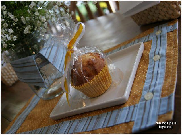 Dia dos Pais: a gola da camisa vira um enfeite para o vaso do café da manhã. http://www.lugastal.com.br/2011/08/filhos-descolados-dao-presentes.html