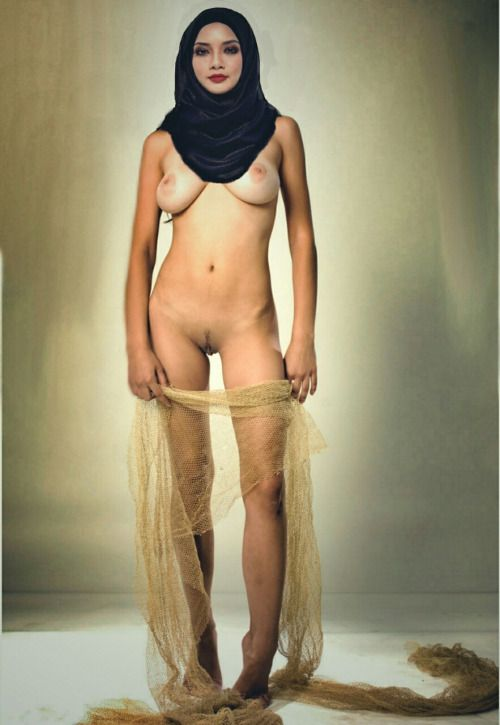 This blog is dedicated to beautiful Arab and other Muslim women. Nudity & Soft porn may be included....