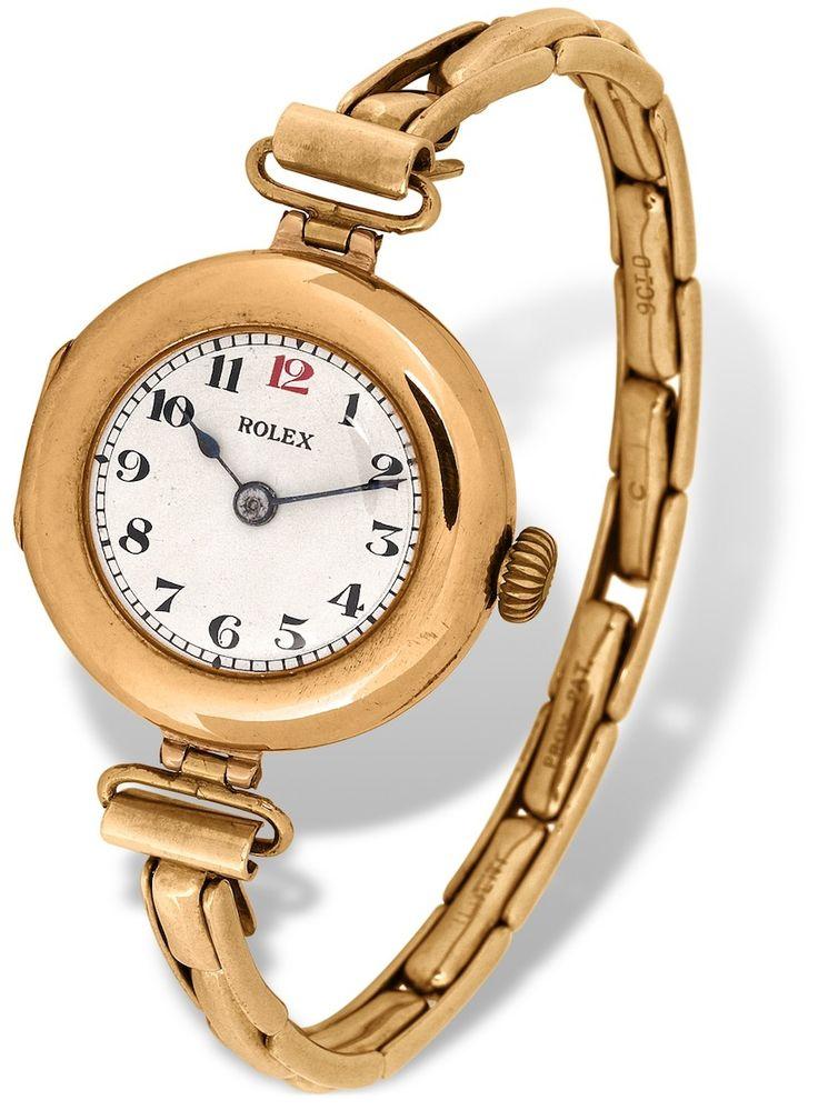 Se cumplieron 100 años del primer reloj pulsera cronómetro certificado, mérito de Hans Wildsorf quien tuvo la visión y el talento para corregir o mejorar la funcionalidad de las piezas. El ROLEX de oro tuvo que someterse la prueba de mantener su puntualidad a lo largo de 45 días en un ambiente controlado.  #rolex #reloj #hanswildsorf