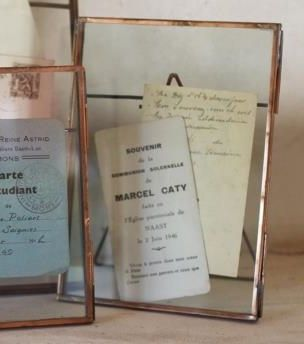 These antique copper, free-standing photo frames have an industrial feel while also being wonderfully simple and elegant. The glass front and back make them great for displaying treasured photographs, and other precious keepsakes like postcards, concert tickets and drawings. They look beautiful on a shelf, dressing table or mantelpiece. size 5x7. £16.95
