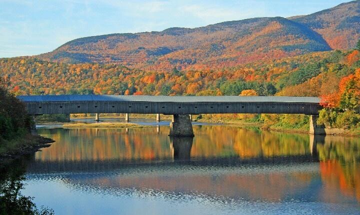 Kissing Bridge Vermont Bridge between C...