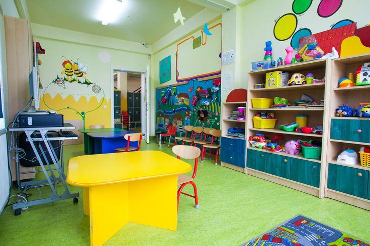 Sala grupa copii cu parooseli din linoleum natural Forbo