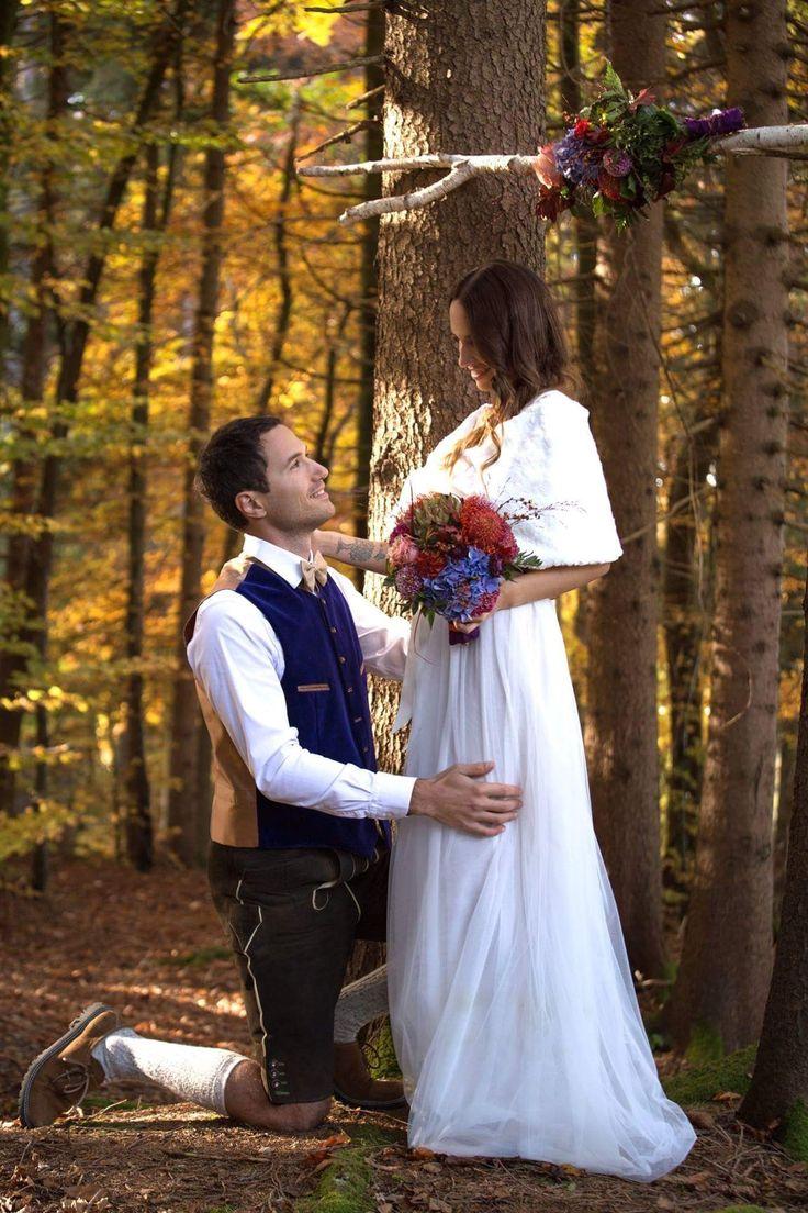 Ein vanTastisches Brautkleid vom Designerlabel Tian van Tastique #vintage #weddingdress #Brautdirndl #Hochzeitsdirndl #Brautkleid # #womenswear #bridelwear #Abendkleider #Brautdirndlkleid #Tracht #tradition  https://www.facebook.com/DivineIdylleTianvanTastique/ www.tianvantastique.com