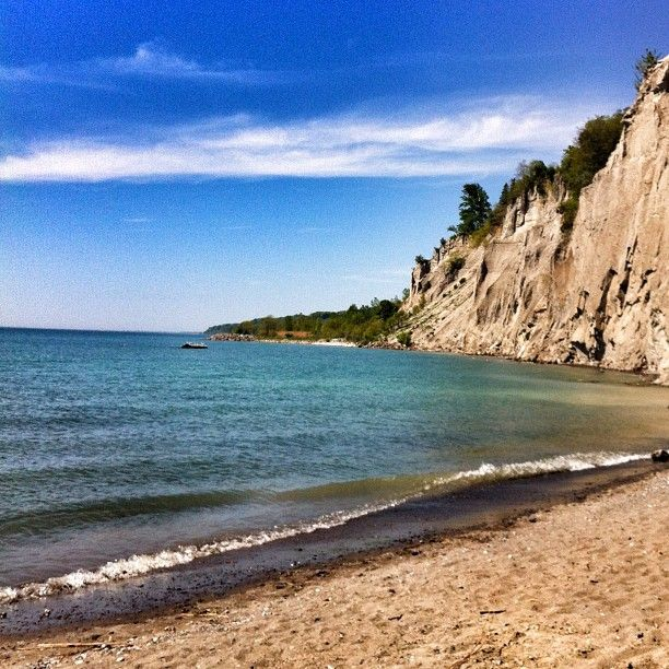 One of my favourite things about my hometown is the Bluffers Park and Marina, about a 5 minute drive from my place. A great little quiet beach is hidden away!