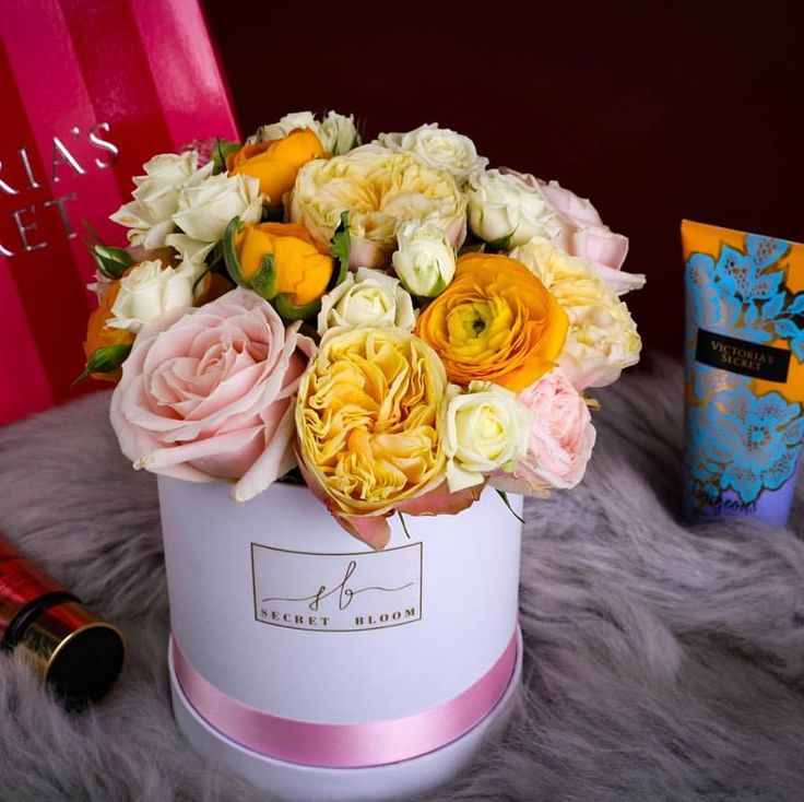 Yellow roses English Roses Luxury box of flowers Pink Roses White box of flowers Victoria Secret Secret Bloom Boxes