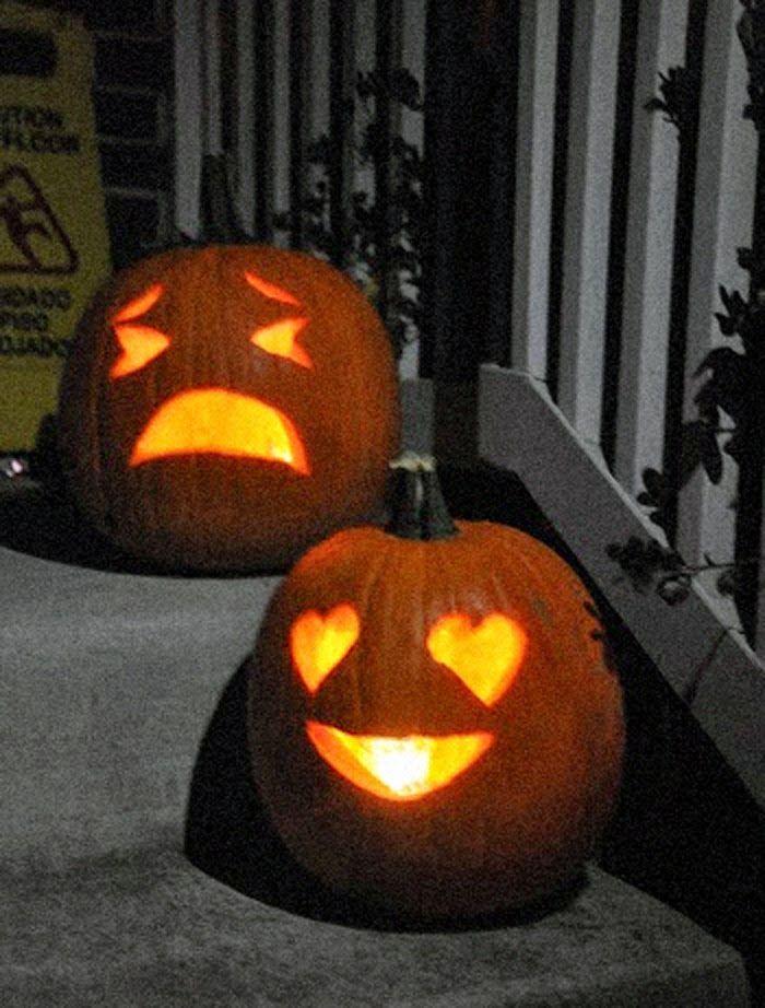 halloween pumpkin carving - emoji pumpkins!