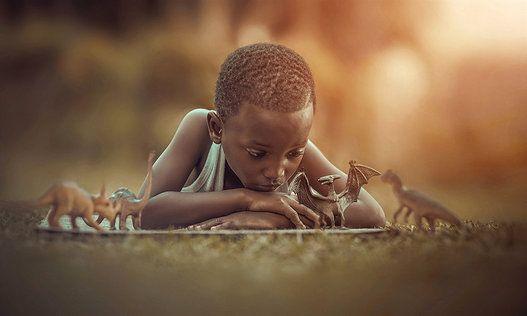 El fotógrafo Adrian McDonald es vecino de una extensa familia jamaicana en la zona rural de Wermoreland. Hace cinco meses, mientras fotografiaba plantas y animales en los alrededores de su casa, oyó l...
