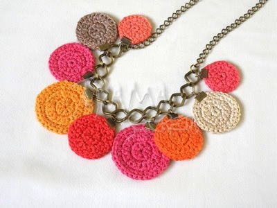 Colar com mandalas de crochet- do blogue GloriArts & Bijoux
