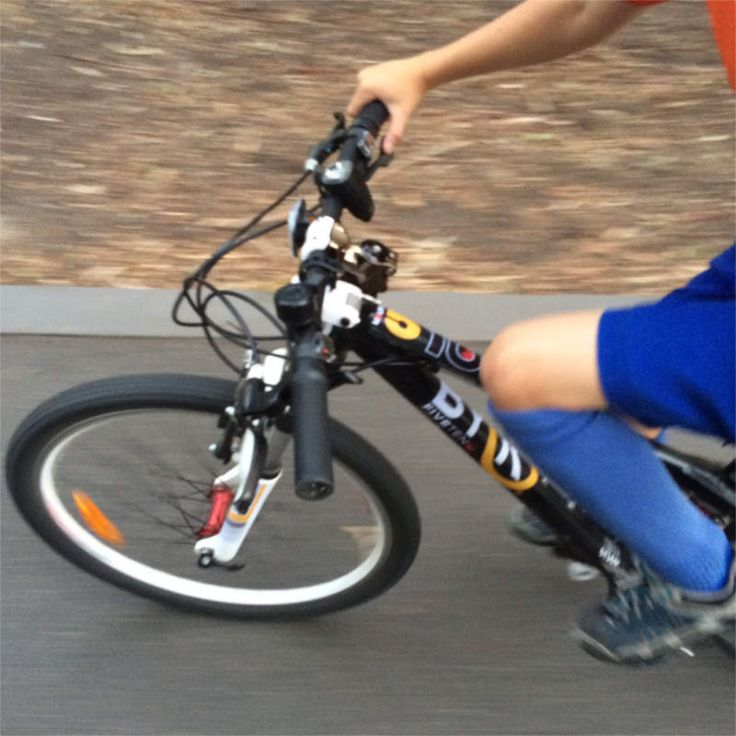 We're colour testing decals for the all new 350MTB kids mountain bike for 4, 5 and 6 year olds.  Coming in Sep/Oct 2015.