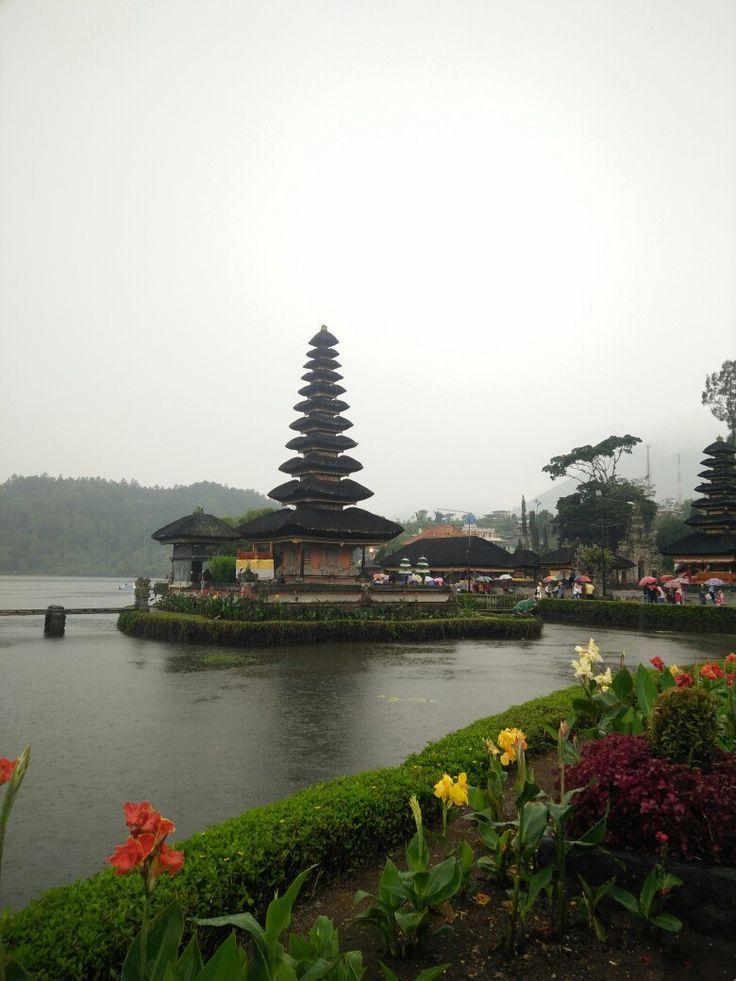Ulun Danu Beratan Temple, Bali, Indonesia.