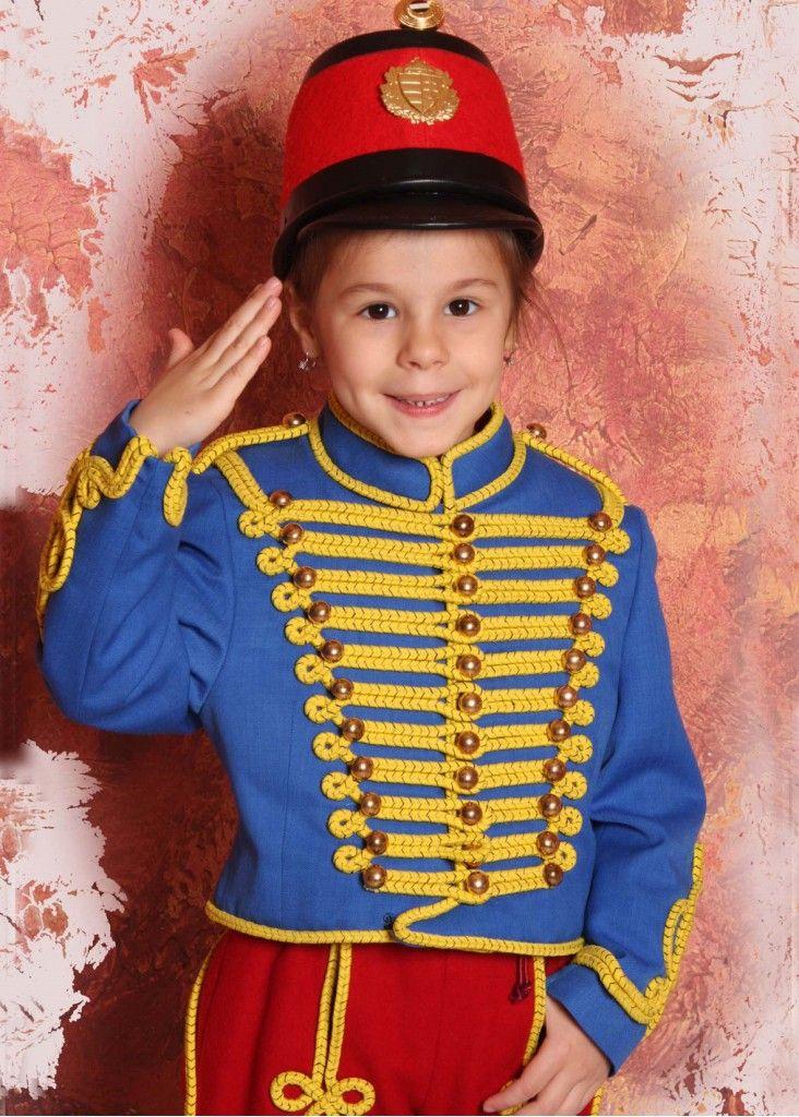 Gyerekdivat, Bocskai ruhák és Huszárruhák is gyerekeknek
