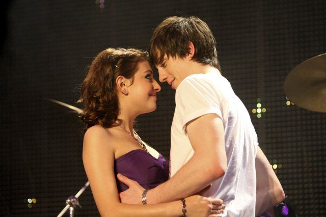 Aaron Taylor-Johnson and Georgia Groome <3 Angus Thongs and Perfect Snogging