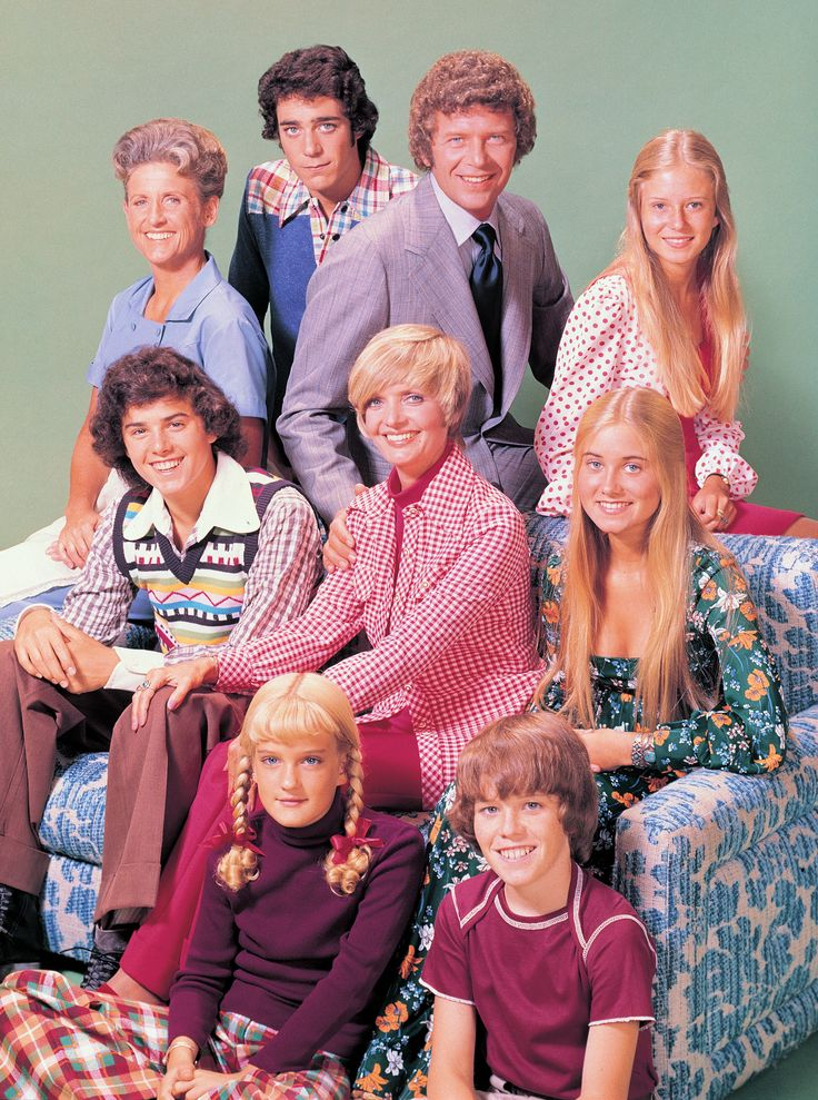 25 Unknown Facts about Florence Henderson The Brady Bunch 1969 - 1974 Mike Brady - Robert Reed Carol Brady - Florence Henderson Alice Nelson - Ann B. Davis Marcia - Maureen McCormick Jan - Eve Plumb Cindy - Susan Olsen Greg - Barry Williams Peter - Christopher Knight Bobby - Mike Lookinland