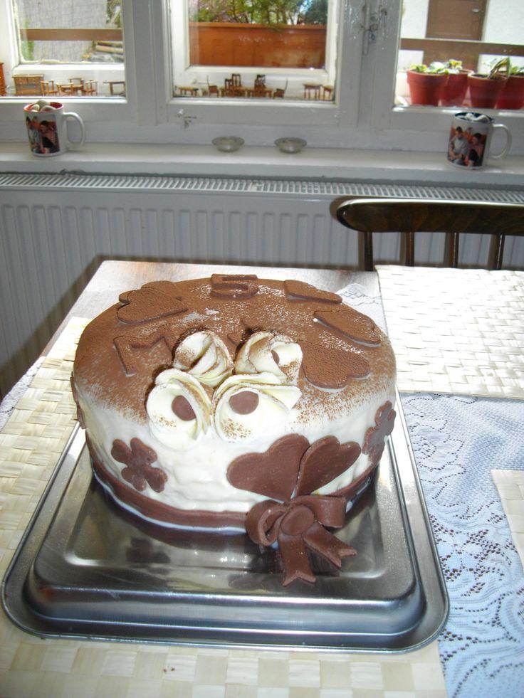 Můj první potahovaný dort k 5. výročí...ten den mě manžel požádal o ruku :-D