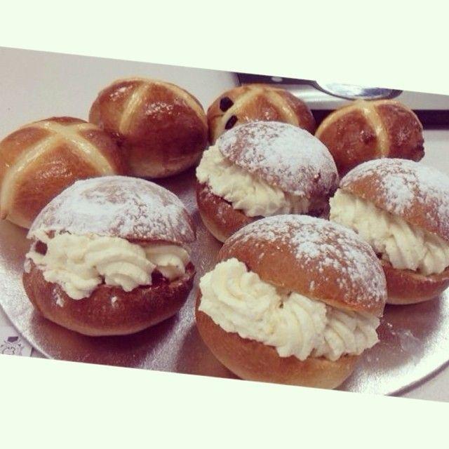 Hot cross buns and Devonshire split buns