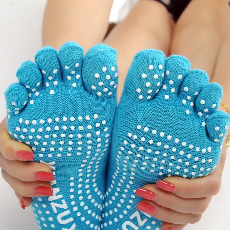 4 Pairs Colorful Hash Yoga Socks Non Slip Gym Dance Foot Massage 5-Toe Cotton