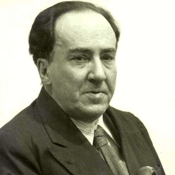 Al comenzar la Guerra Civil Española (1936 - 1939) él se encontraba en Madrid. Y acabó trasladándose con su madre y familiares a un pueblo valenciano (Rocafort) y por último a Barcelona. Y en enero de 1939 emprendió el camino hacia el exilio pero murió en el camino, en un pueblo francés llamado Colliure.