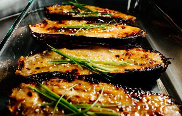 Запеченные баклажаны - кулинарный пошаговый рецепт с фото на KitchenMag.ru