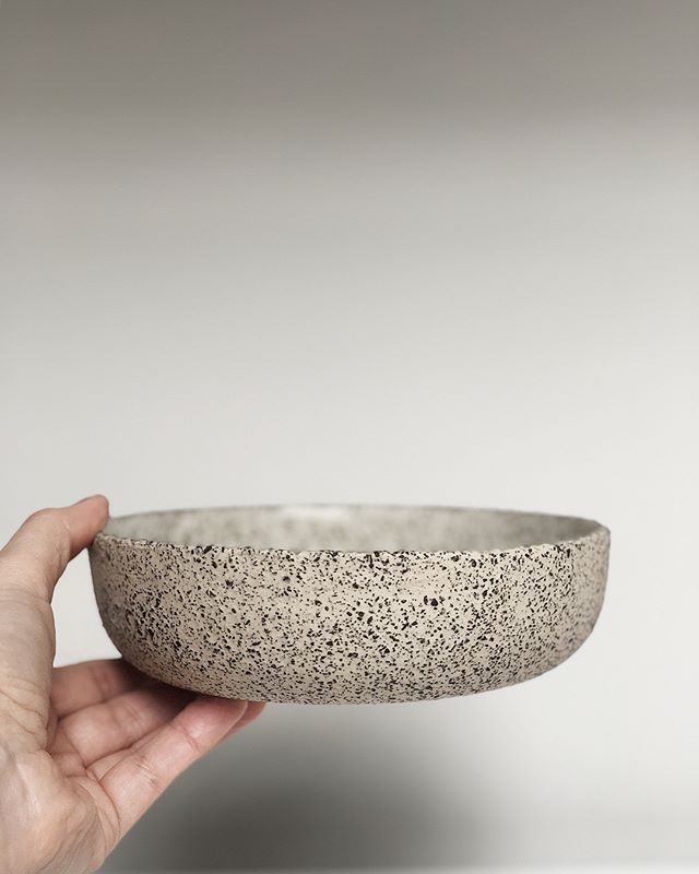 Cookies and cream. Handbuilt 16cm cereal bowl in gloss White. White stoneware clay with additions. Microwave and dishwasher safe.  Also available in 22cm pasta/salad bowl size and 26cm dinner plate (flick through to view the set). Custom orders for 29cm platters in this style also welcome. . . . . .  #pottery #ceramics #stoneware #potter #twinearthceramics #dinnerware #food #tabletop #cheflife  #foodblogger #restaurant #michelinstar #rustic #tableware #styling #textures #minimal #design…