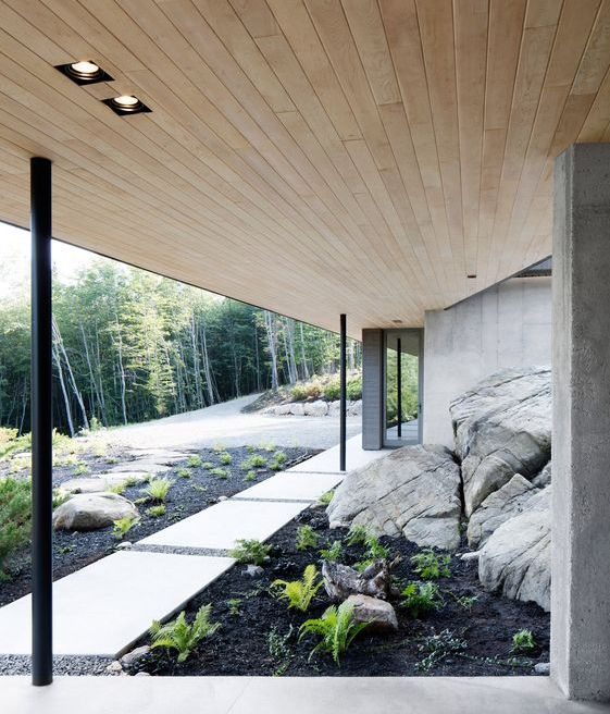 Nature is inside & out at La Héronnière in the Laurentian Mountains in Canada
