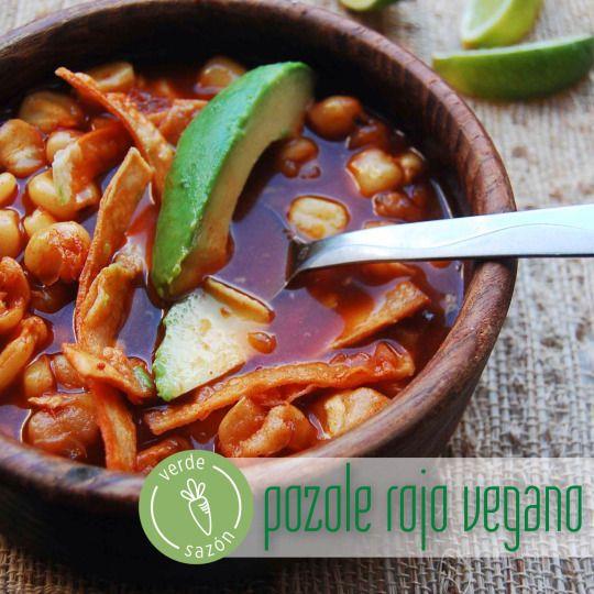 Pozole Rojo Vegano - Verde Sazón