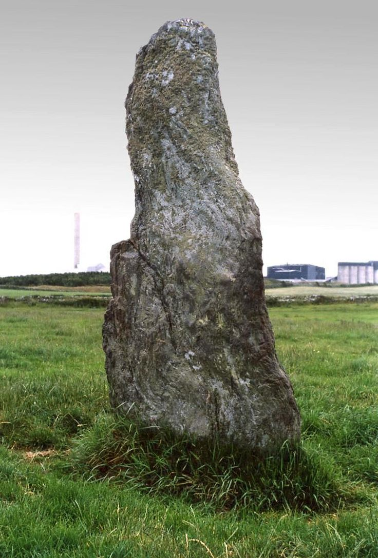 http://www.aenigmatis.com/prehistoric-sites/wales/ty-mawr-monolith.jpg  Ty-Mawr (Standing Stone)  Located in Anglesey, North Wales
