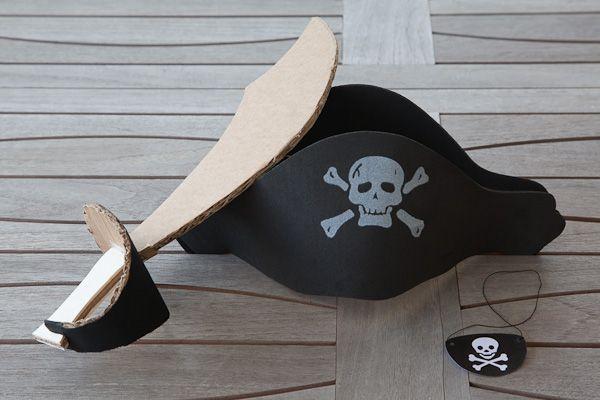 déguisement de pirate : épée, chapeau et cache-oeil