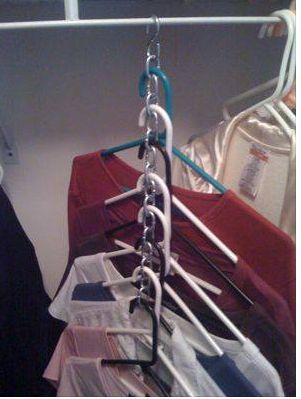 Frugal space saver tip for closet storage