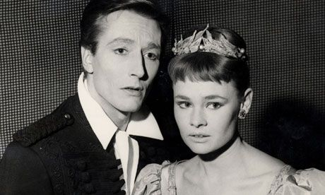 John Neville with Judi Dench in Hamlet at the Old Vic, 1957.