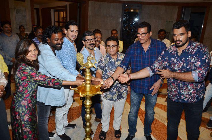Usha Agarwal, Akhilesh Kumar, Dino Morea, Arzan Khambatta, Dilip Joshi, Mukesh Rishi & Raghav Rishi at Akhilesh Kumar's 'Sochalay' art show inauguration at Jehangir Art Gallery