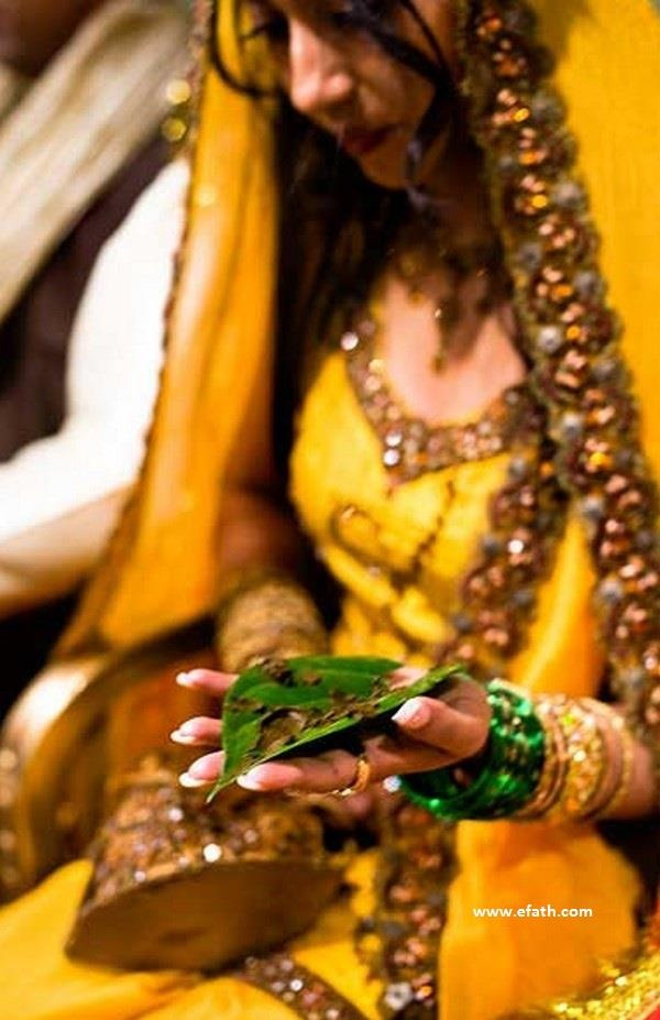Mehndi Ceremony Wishes : Best images about desi dulhan on pinterest henna