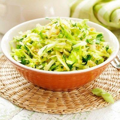 Spitskoolsalade met rozijnen