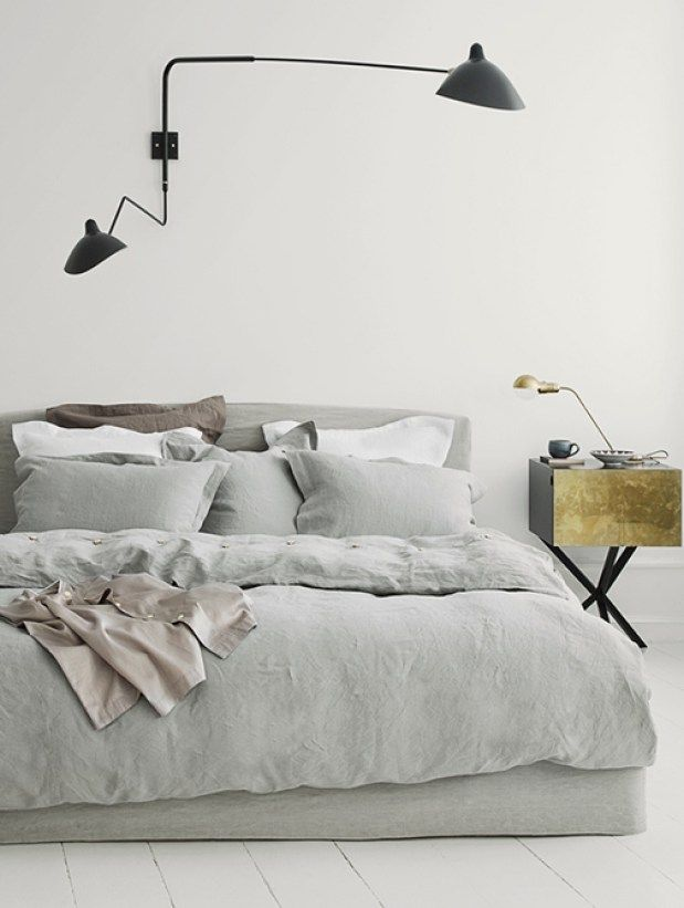 Scandinavische slaapkamers met linnen beddengoed