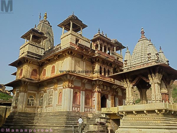 This temple dedicated to meera and Krishna. It was built between 1599-1608 in #Amer #Jaipur by Kanakwati wife of king Man Singh 1st in the memory of son Jagat Singh. #history #travel
