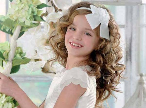 #peinado de #comunión con diadema y pelo suelto y ondulado