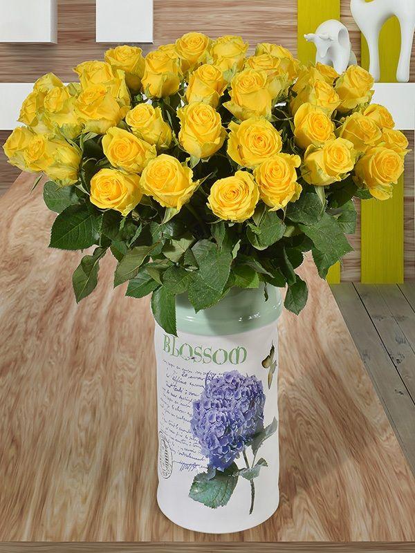 Kim demiş sarı ayrılıktır diye? Sarı muhabbetin rengidir. Sevdiklerinize hislerinizi sarı güllerle anlatmaya ne dersiniz? #sarı #gül #aşk #escicekcom