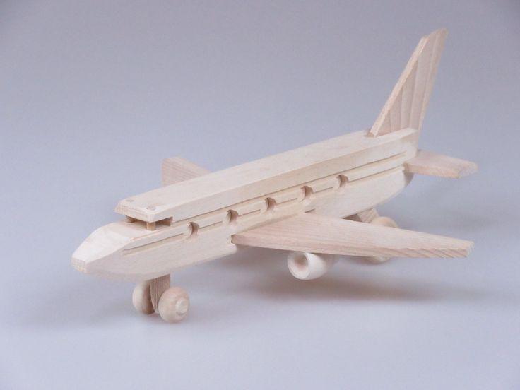 Drewniany samolot pasażerski www.meblebartu.pl