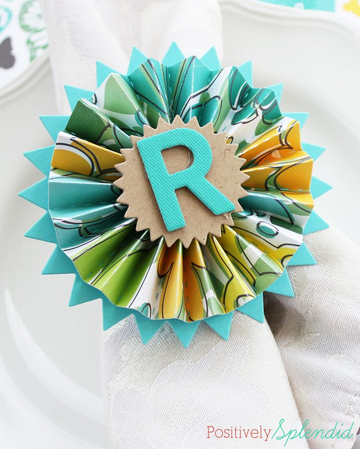 Pretty paper medallion napkin rings made with shower curtain rings. So smart!Napkin Rings, Medallions Napkins, Positive Splendid, Splendid Crafts, Pretty Paper, Napkins Rings, Home Decor, Parties Ideas, Paper Medallions