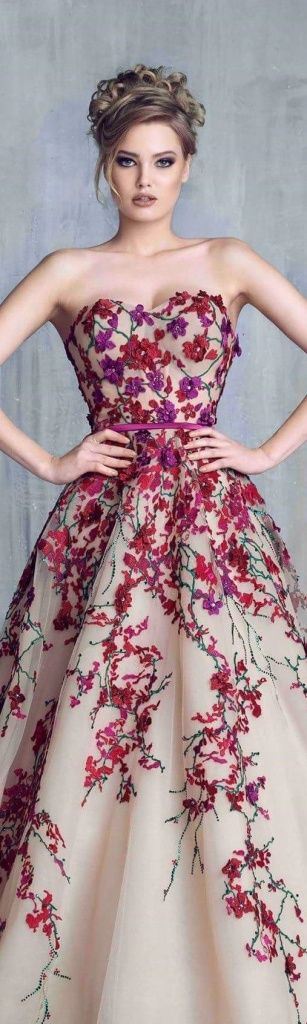 robe fleurie longue bustier  sur http://larobelongue.fr/robe-longue-bustier/