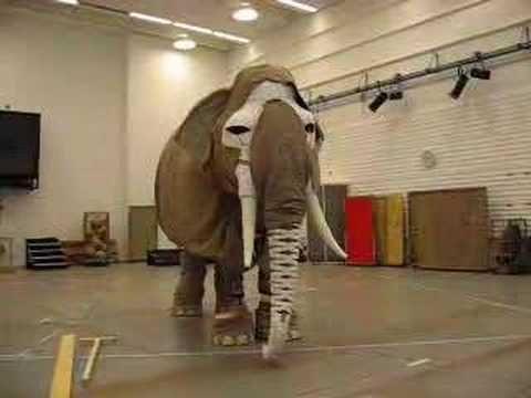 ▶ Building an elephant - Hamlet - YouTube