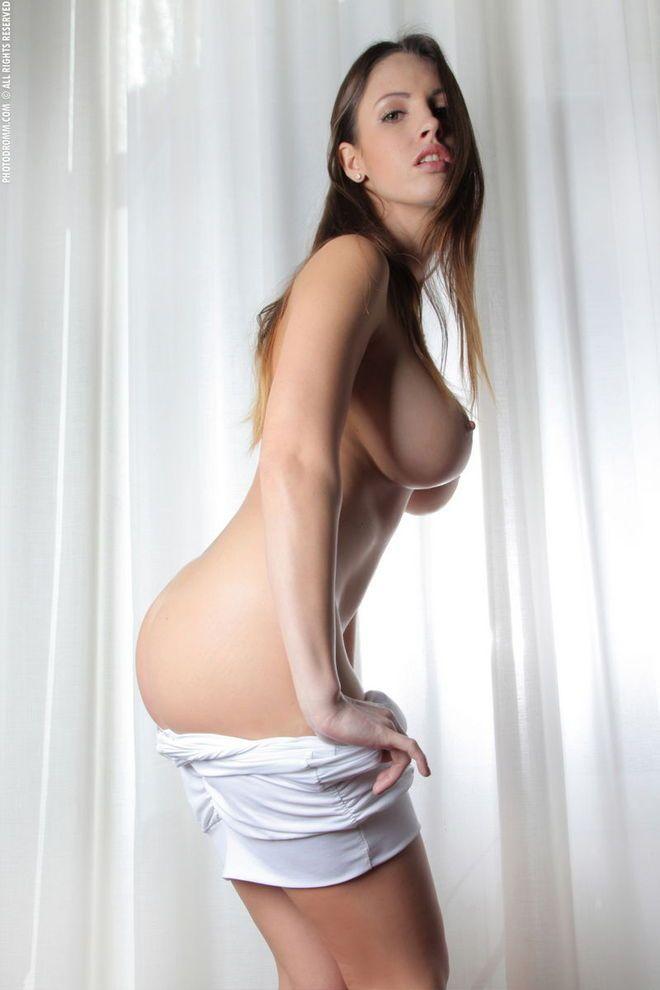 Angelina Armani Nude Pics And Alexandra Simwise Pussy