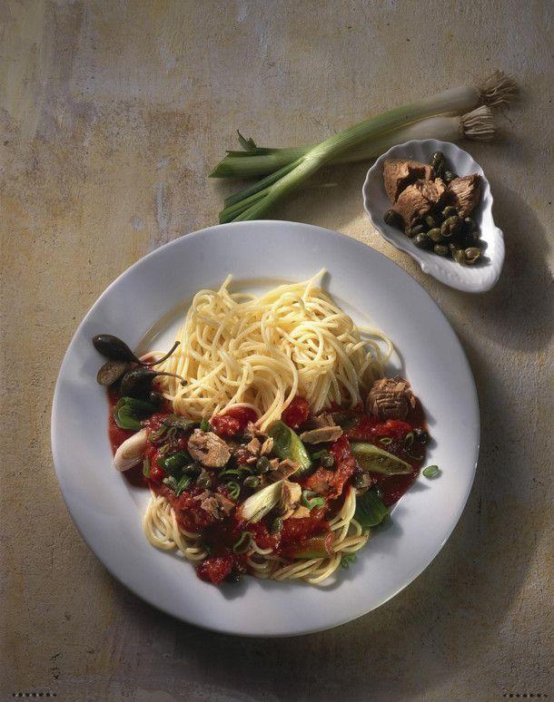 Unser beliebtes Rezept für Spaghetti mit Thunfisch-Kapernsoße und mehr als 55.000 weitere kostenlose Rezepte auf LECKER.de.