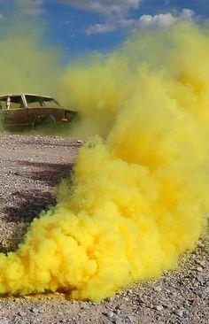 smoke bomb yellow tumblr - Google-søgning