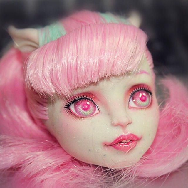Monster High Rochelle Goyle repaint by cligcc. Just a pic of a reprint I…