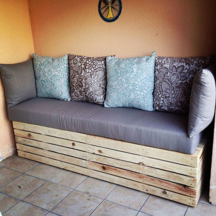 Pallet Corner Bench has More Seating Capacity