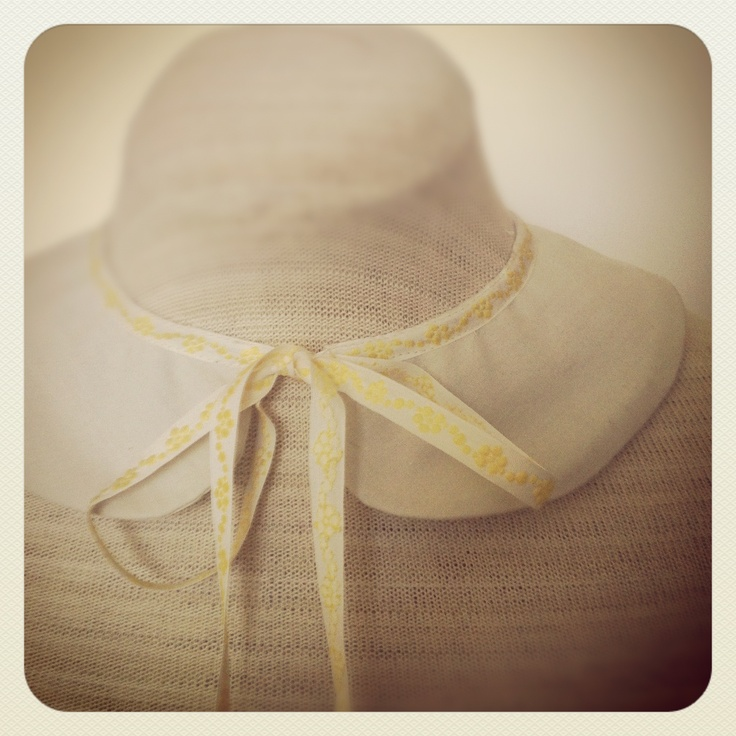 Detachable Collar with Antique Trim. Made with LOve by www.lo-studio.biz  http://www.facebook.com/lostudiopage