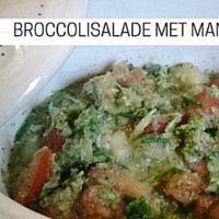 Broccolisalade met mango-gember dressing